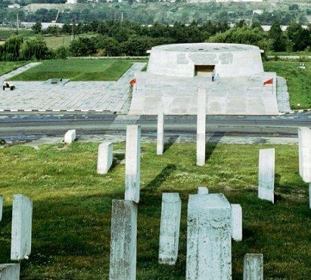 50 лет со дня создания  Мемориала защитникам  обороны перевалов Кавказа  в годы Великой Отечественной войны